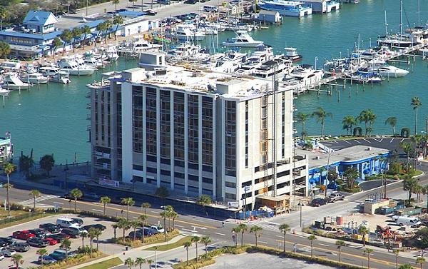 Pier 60 House Hotel